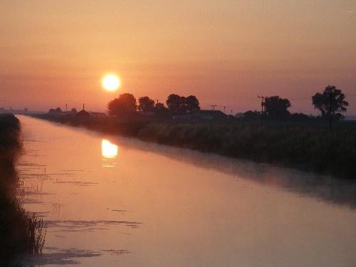 Morning Glow by takethemoment