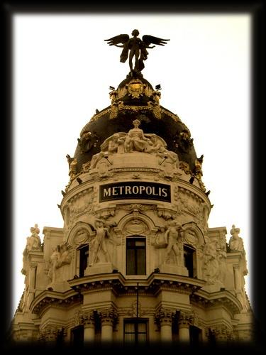 Metropolis by VaritaMagica