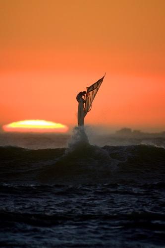 sailing into the sunset by ianpics