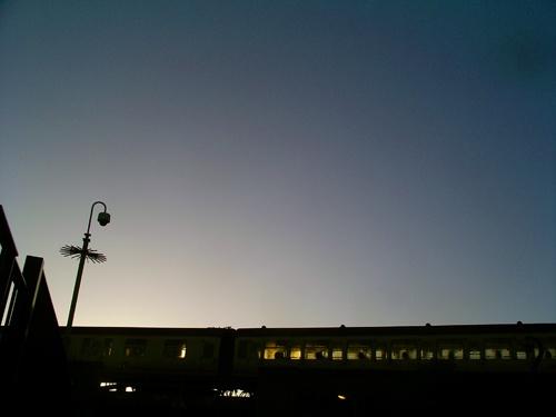 Evening Train by kinkladze