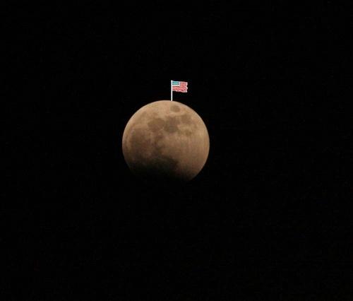 moon by Sarahmann