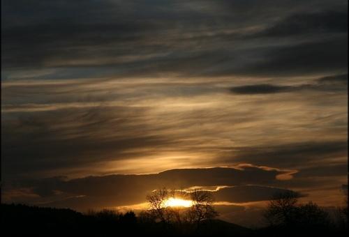 Lurid Sky by jondf
