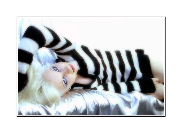 Monochrome #1 by xanda