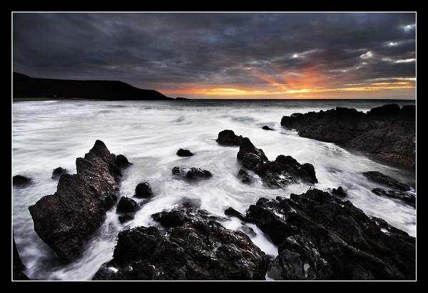 Dusky Rocks by rhiw_com