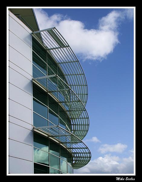 Modern curves by oldgreyheron