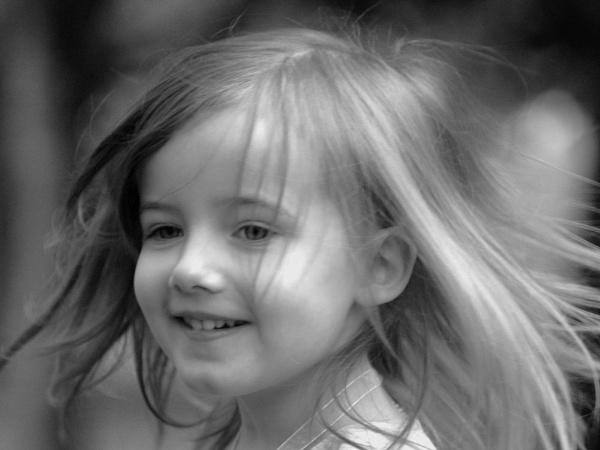 Happy girl by sparklep
