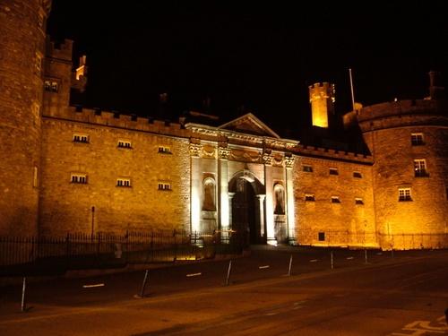 Kilkenny Castle by pixellady