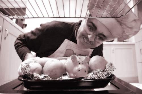 Piggy looks worried! by Ingleman