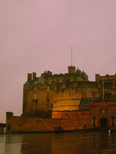 Edinburgh Castle by LauraBeans