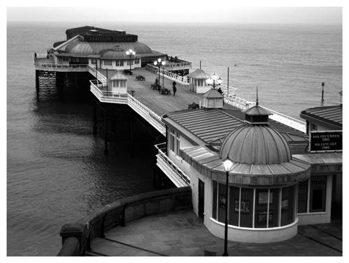 Cromer Pier by madgirl