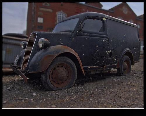 Rusty old van by Deego