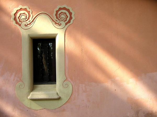 Gaudi\'s Window by otter