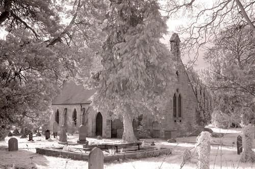 Llangollen churchyard by Potto