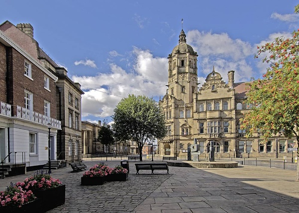 County Hall Wakefield by IMAGESTAR