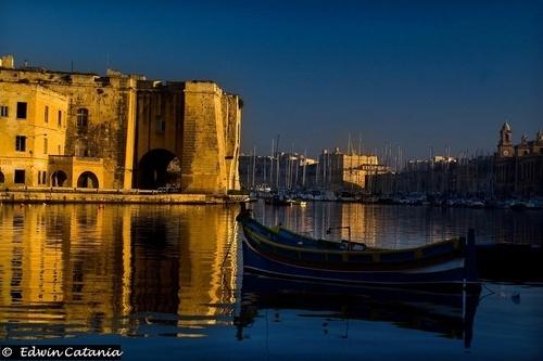 Vista from Bormla Jetty - Malta by edcat