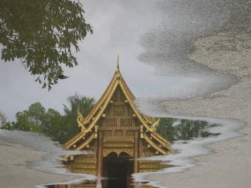 Pagoda by jon_huskisson