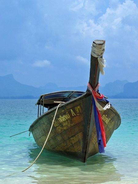 Thai Boat by jon_huskisson