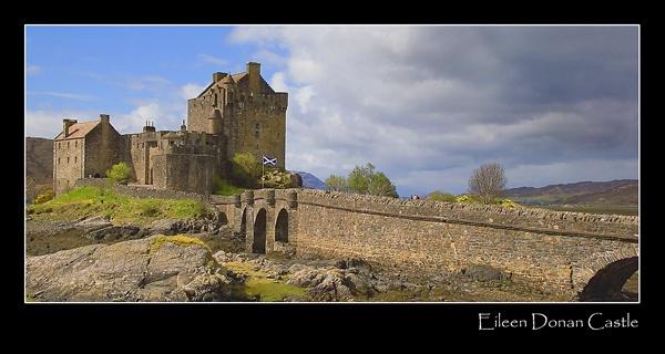 Eileen Donan Castle by trickydicky