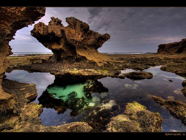 Rock\'n\'pool by Robsterios