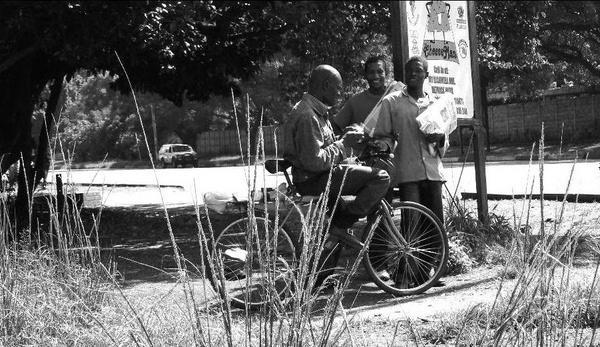 Zimbabwean Street Vendors by Hughmondo