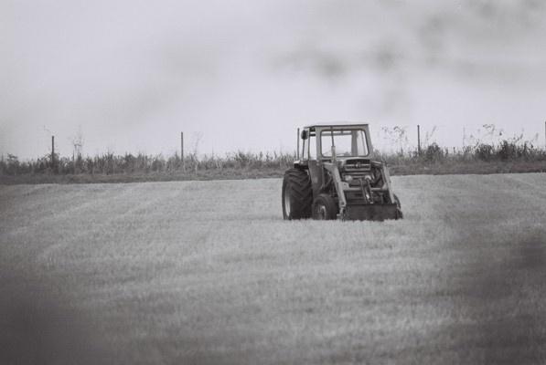 Tractor by cphubert