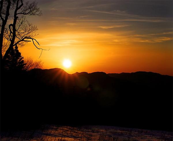 Sunrise on the Kancamgus Highway by gmontambault