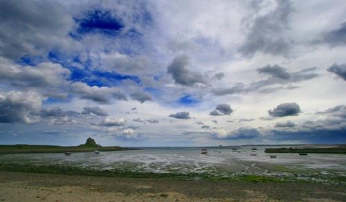 Lindesfarne sky by photododger