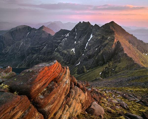 Sunset An Teallach Ridge by hwatt