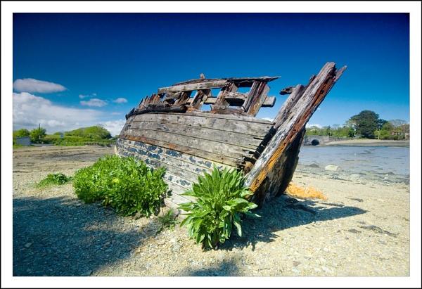 Shipwreck by Ganto