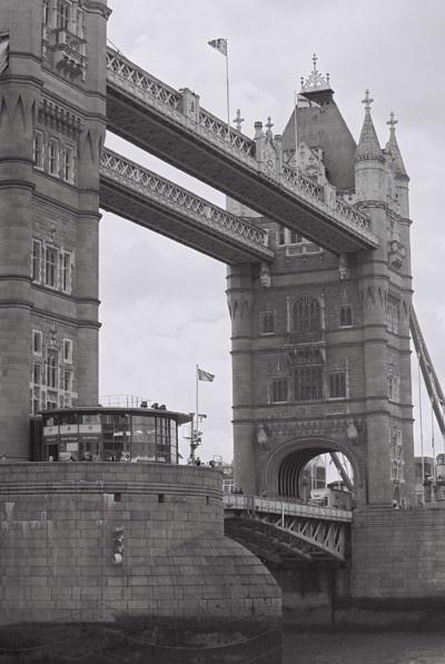 Tower bridge by cphubert
