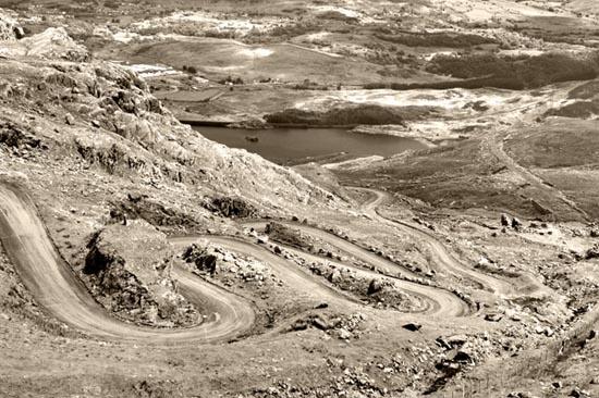 winding road by stefan