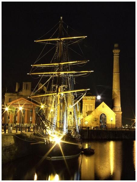 albert dock pumphouse by newy17