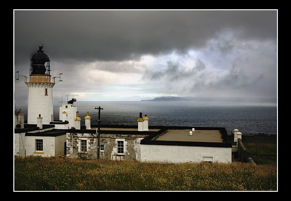 From Dunnet Head by kinfatric