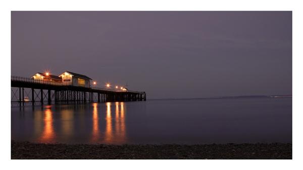 Penarth Pier by GaZn