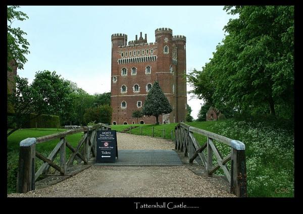 Tattershall Castle... by meadowman
