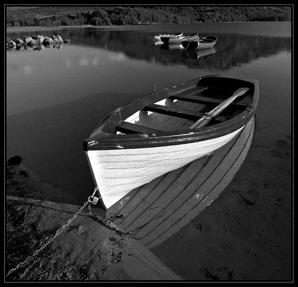 B&W Boat by u47sb2