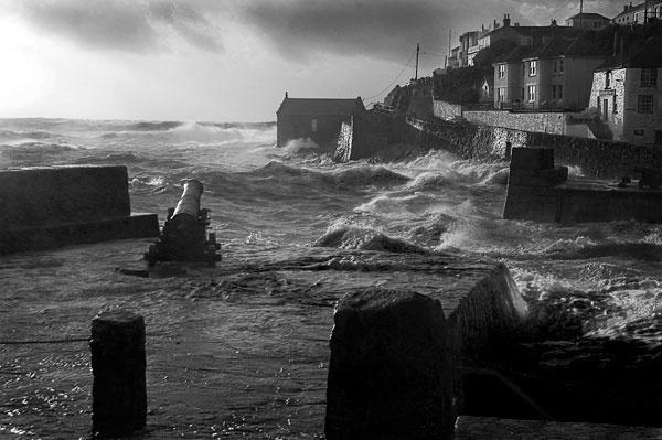 Porthleven Storm by eddieskinner