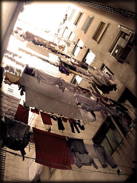 hay ropa tendida... by VaritaMagica
