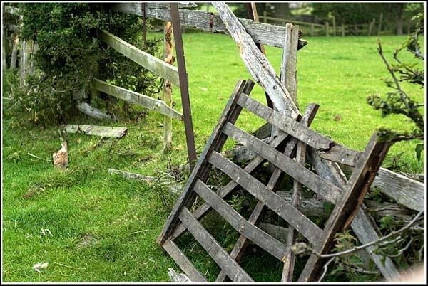 Broken Gate by PhilMarron