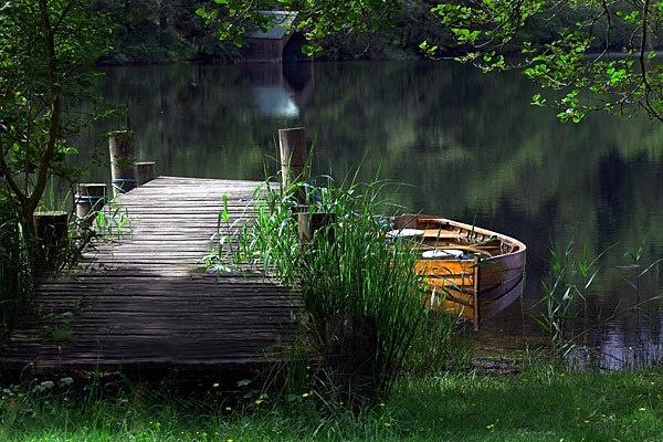 Boat & Jetty by gemeit