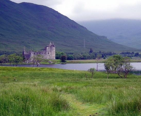 Kilchurn Castle by Caledonia
