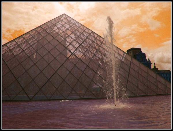 Louvre by moglen