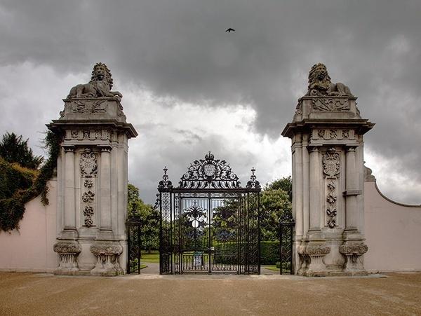 Lion Gates Entrance of Hampton Court Palace by MarcPK