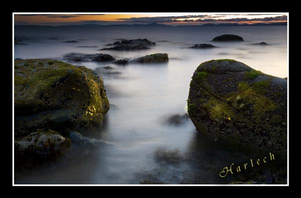 Harlech beach by Loupix