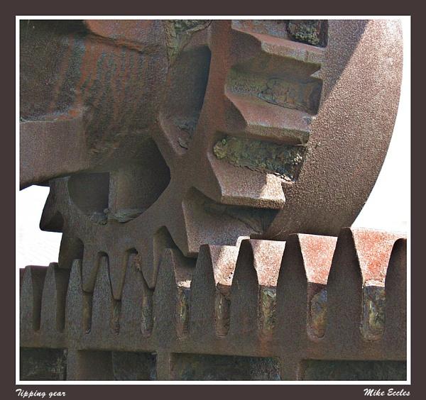 Tipping gear by oldgreyheron