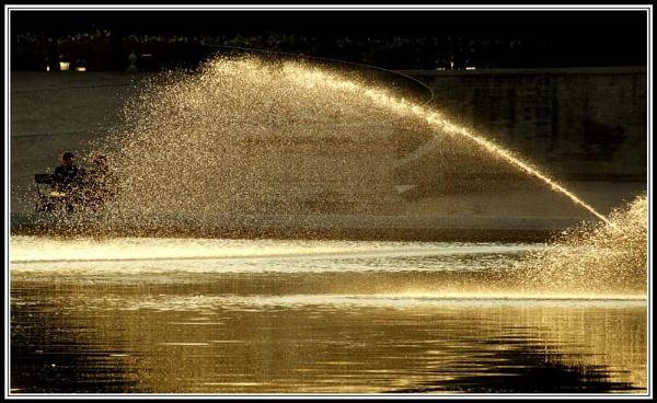Fountain by moglen