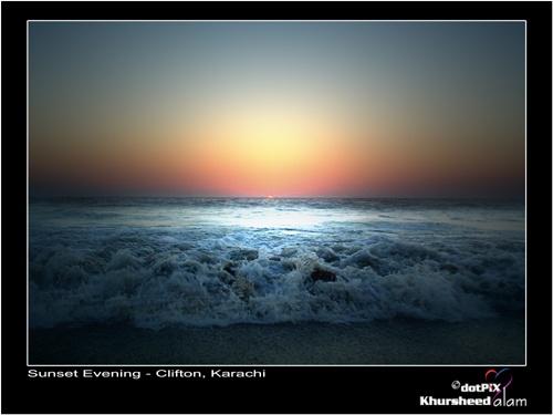 Karachi Beach by dotpix