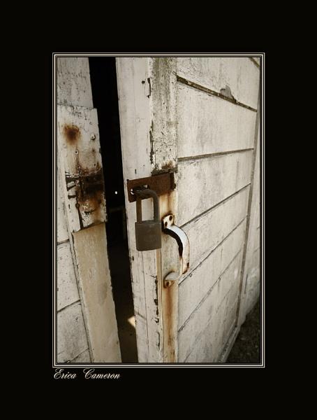 Rusty Lock by EricaC