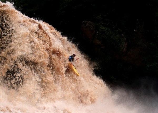 Spadeadam Waterfall by alex102