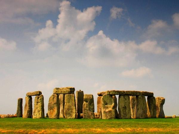Stone Henge by penguinc